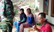 Bangga Dengan TNI, Warga Undang Makan